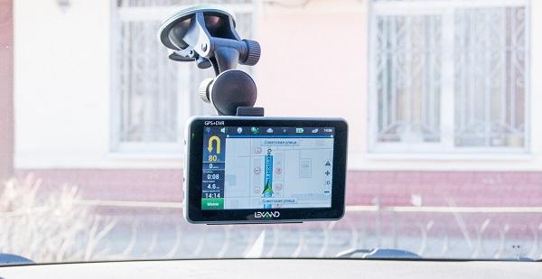 Портативный навигатор Lexand SA5 HD