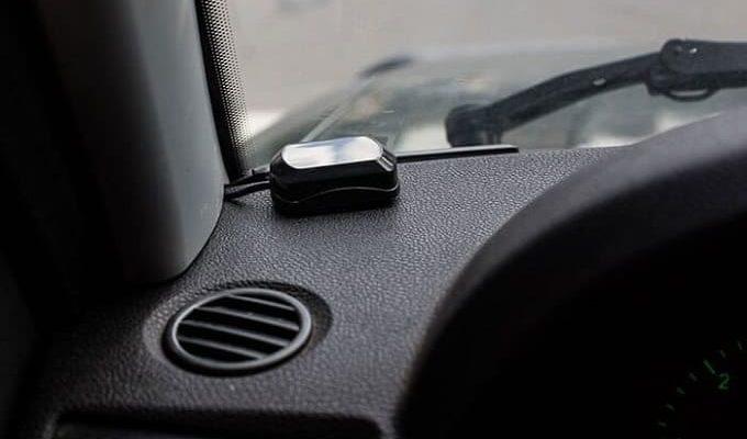 Установка GPS-антенны в автомобиле